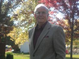 HmongNews.Org, Missionary Norman Oetker home in Saint Charles Missouri US.